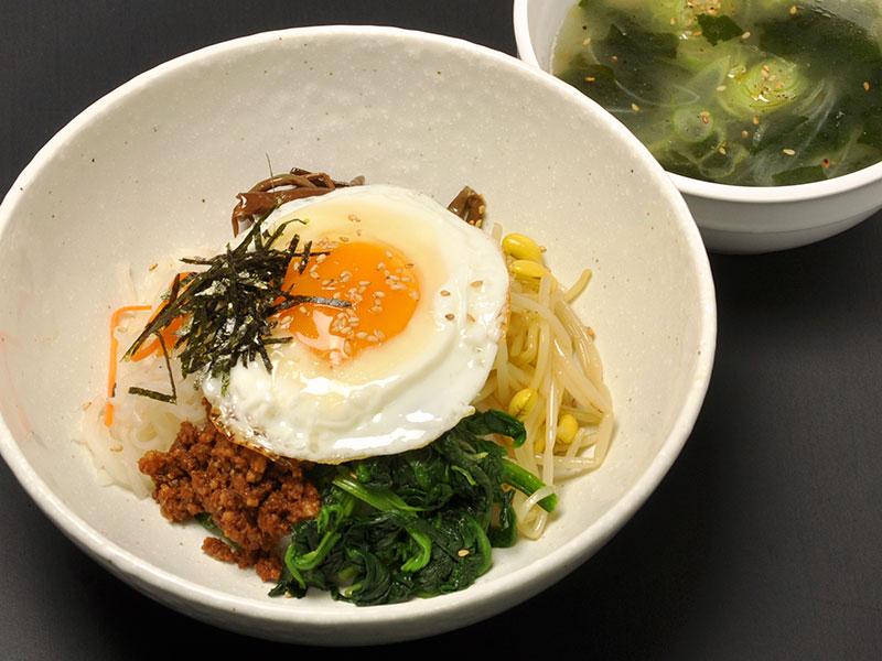 ビビンパなどの韓国料理もおススメです
